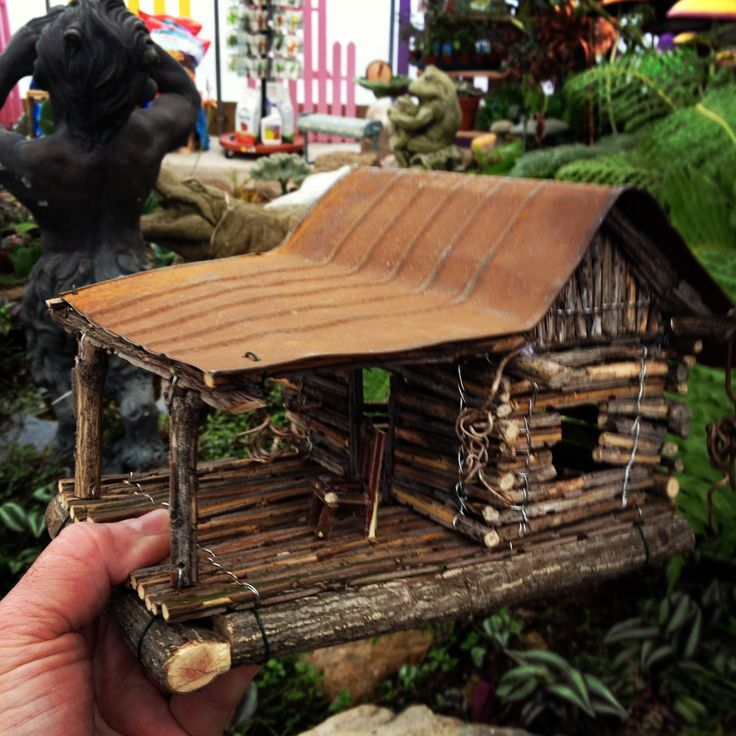 good idea to use tin cans for birdhouse roofs let rust