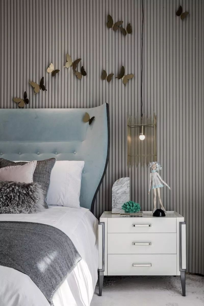 Sculpture Above Bed Modern Headboard And Striped Wallpaper