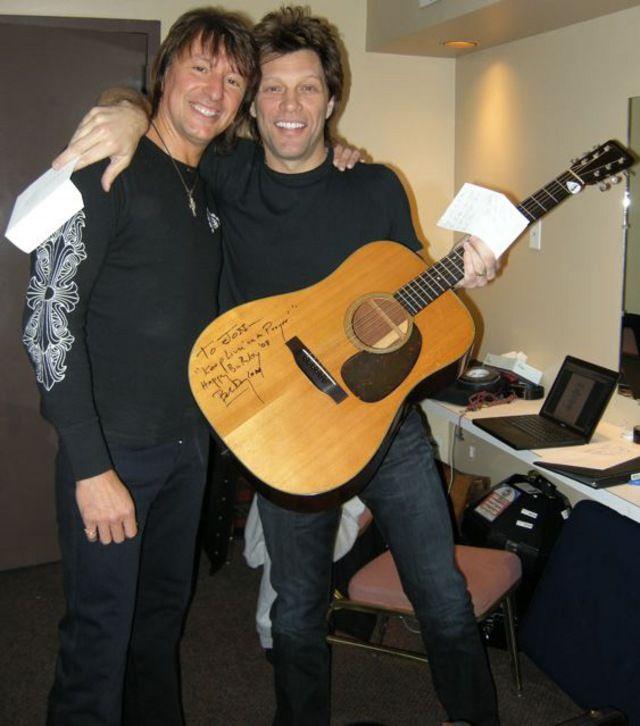 Bon Jovi Scars On This Guitar Song Lyrics: LOST HIGHWAY ERA: Jon & Richie Backstage Holding Bob Dylan