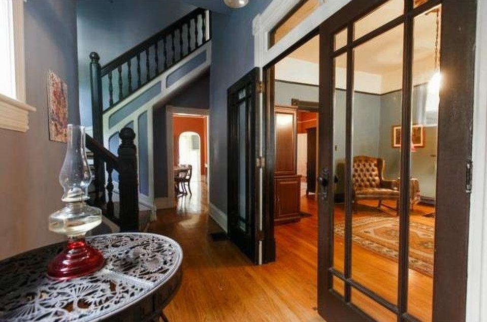 505 Garfield Ave Kansas City Mo 64124 Zillow Interior Design Stairs And Halls Pinterest