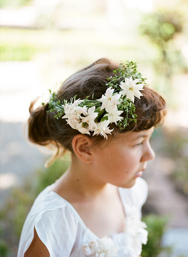 Floral carnation head wreath. The prettiest carnations ever, right? Photo: Christina McNeill Design: The Naked Bouquet