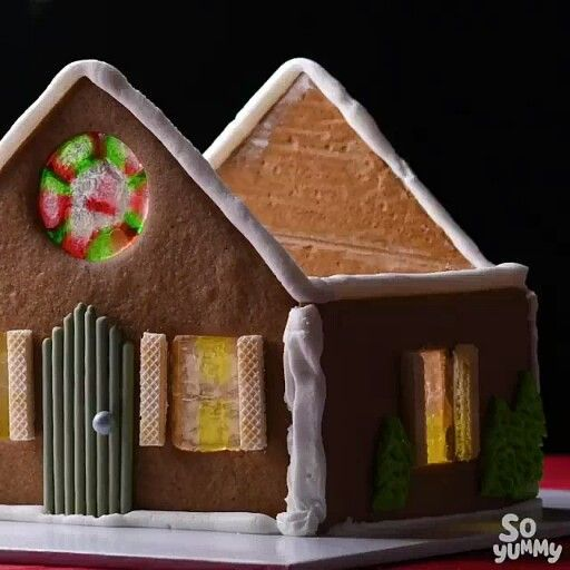 Gingerbread house christmasgoodies #christmastreats #holidaytreats #christmasgingerbreadhouse #gingerbreadhouseparties #christmasdesserts #gingerbreadhouses #holidayrecipes #christmascooking