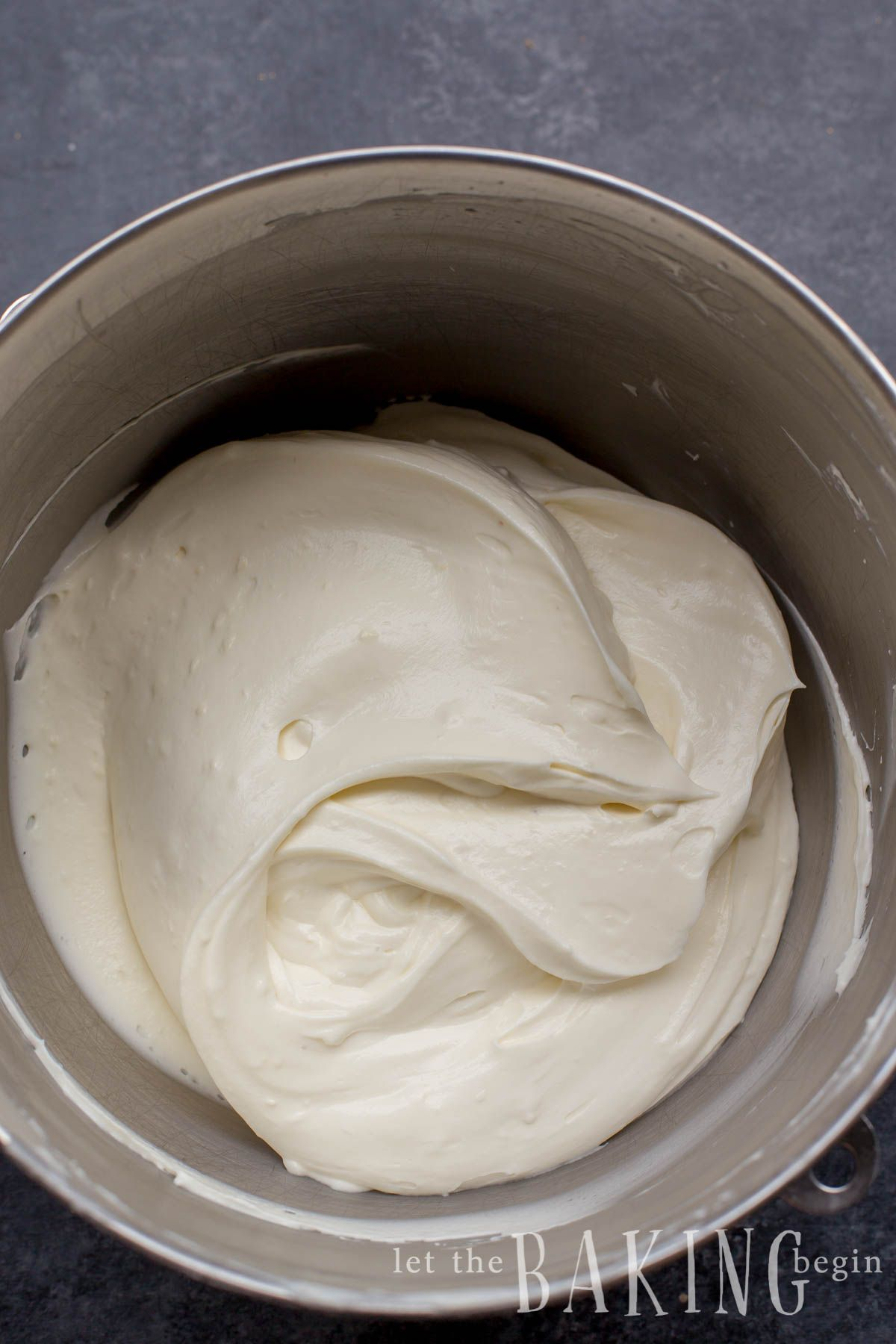 Sour Cream Frosting Fluffy And Creamy Frosting With A Tangy Sour Cream Flavor Will Work Sour Cream Frosting Homemade Sour Cream Sour Cream Chocolate Frosting