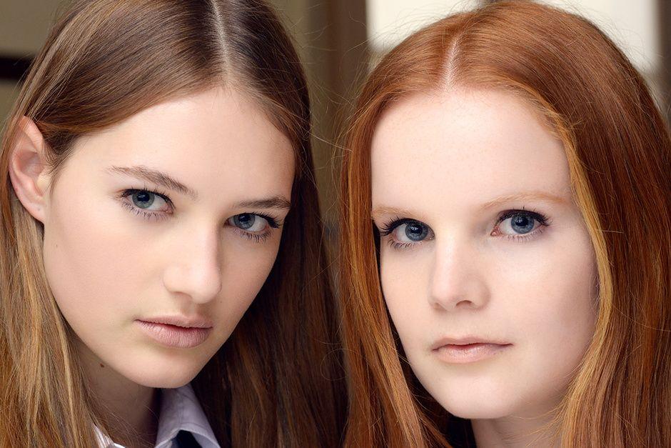 Der Teint ist glatt und matte Oberfläche, für die Augen und eine einfache dünne Linie der Eyeliner - Teamomode.com