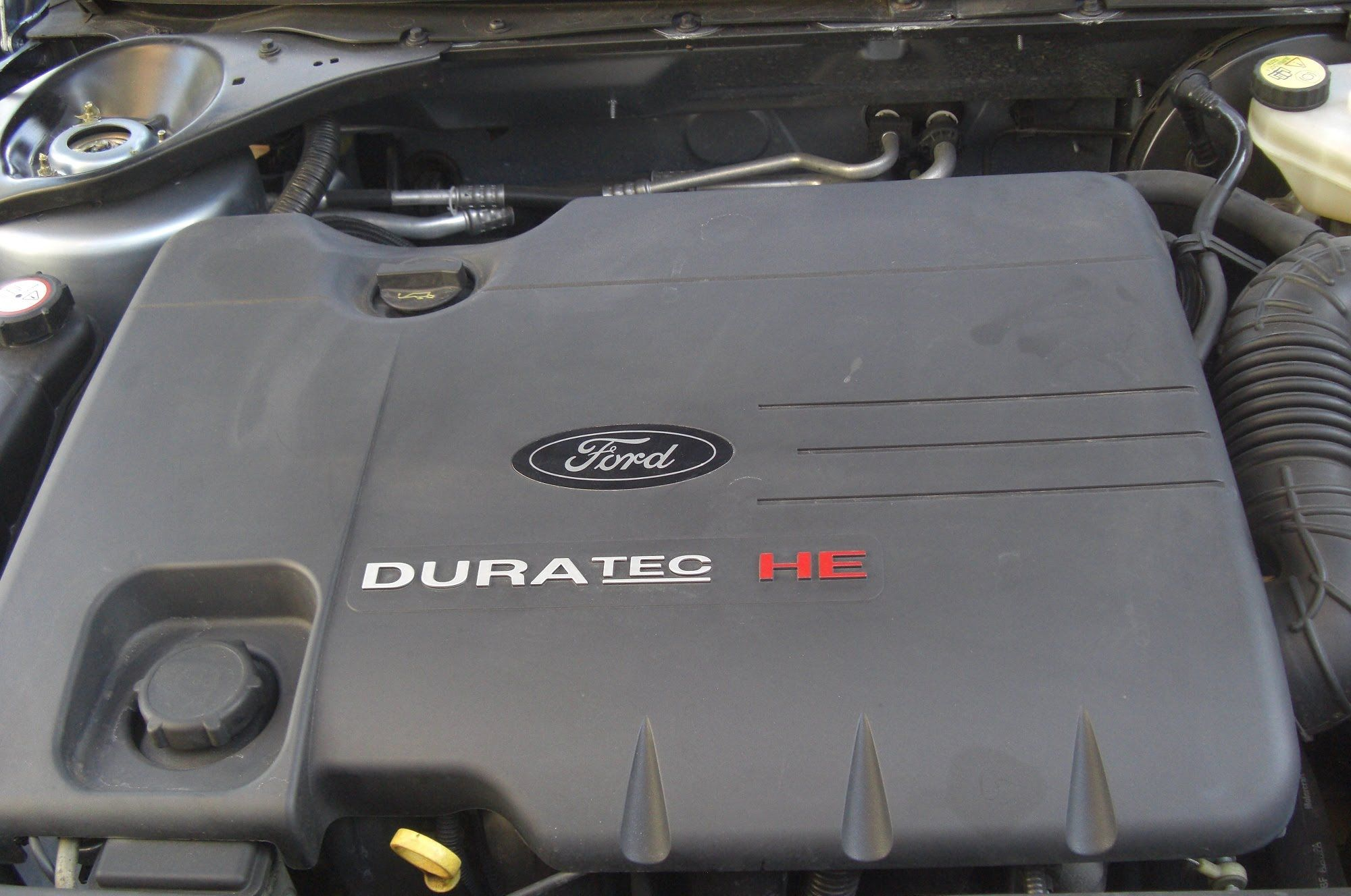 Ford mondeo mark3 removing the engine cover with images