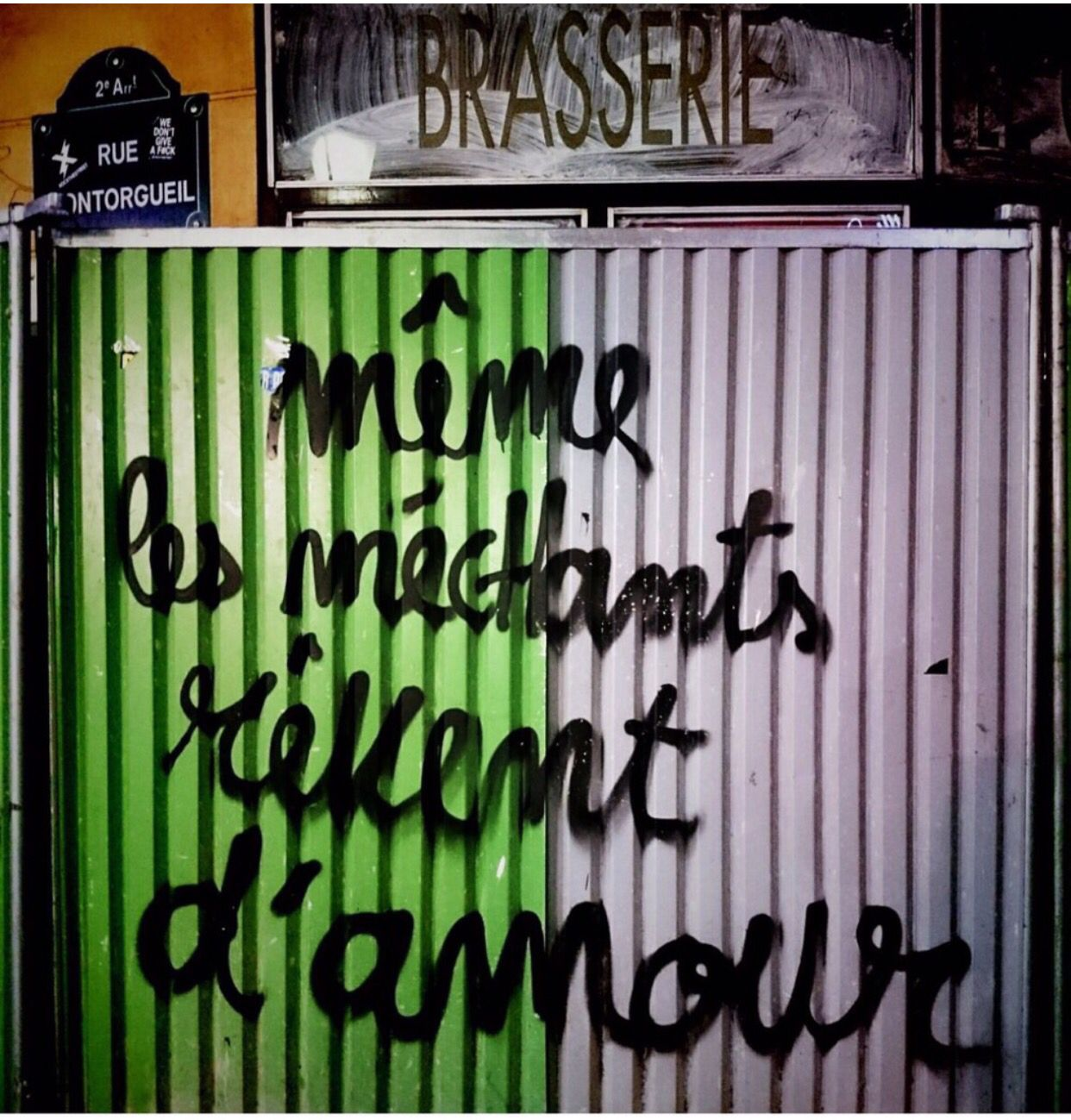 Até os malvados sonham com o amor.