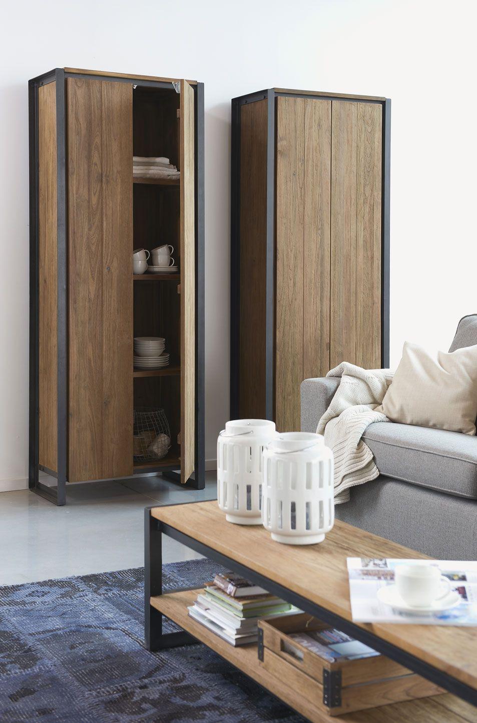 legkastboekenkast of hallkast met leggers meubel in massief gerecycleerd teakhout met doorleefd karakter in combinatie met metaal