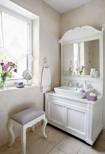 White And Lavender Bathroom Shabby Chic Bathroom Decor Chic