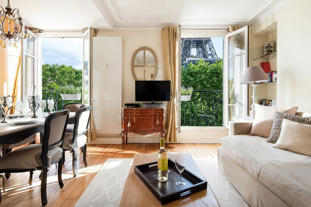 Rent our 3 bedroom apartment Bergerac located near the