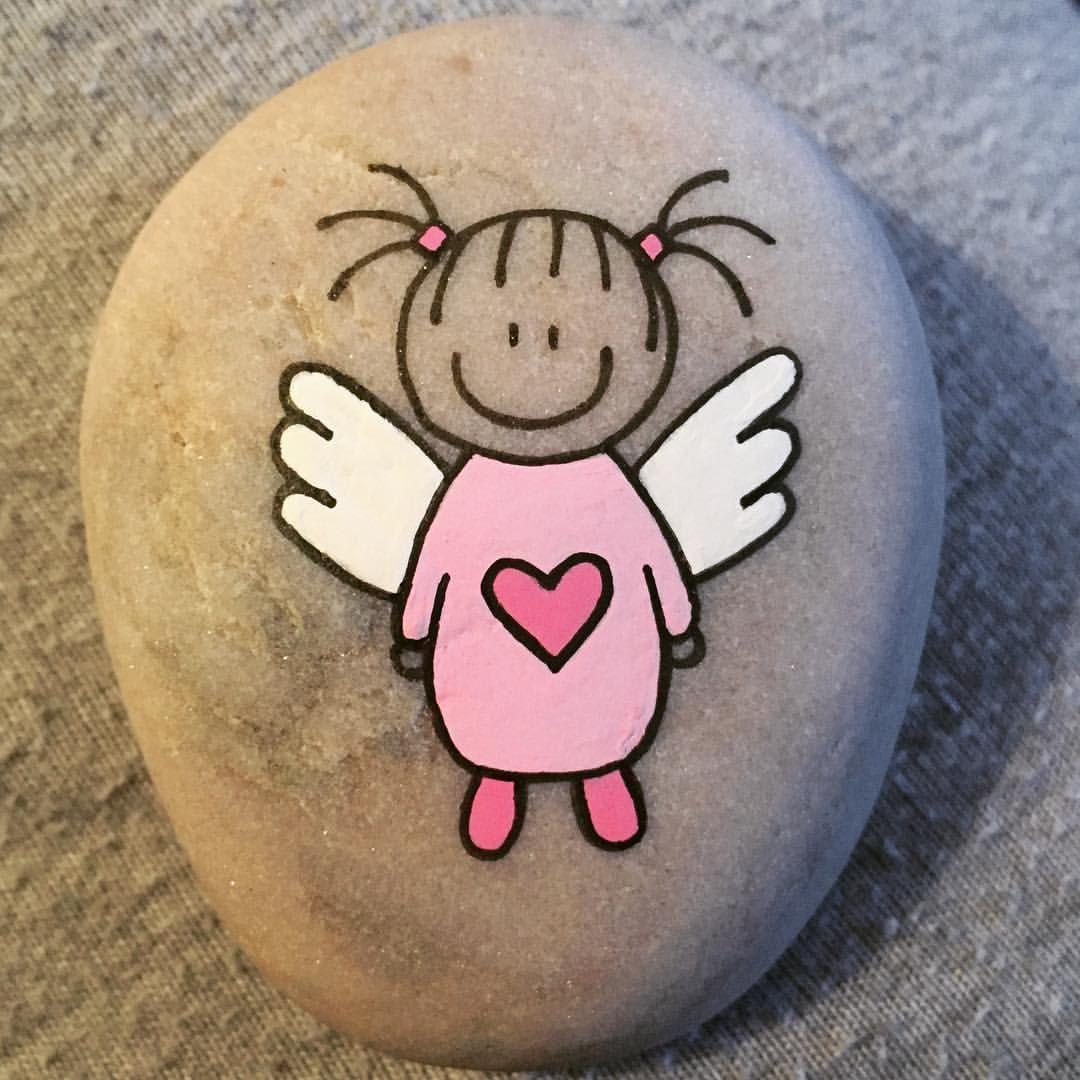 "Helena Stilling's Instagram photo: "" angels  angelwings  angelkids  artrocks  artstone  artstones  engel  englevinger  handmade  happyrocks  happystones  indtaart  instaartist…"""