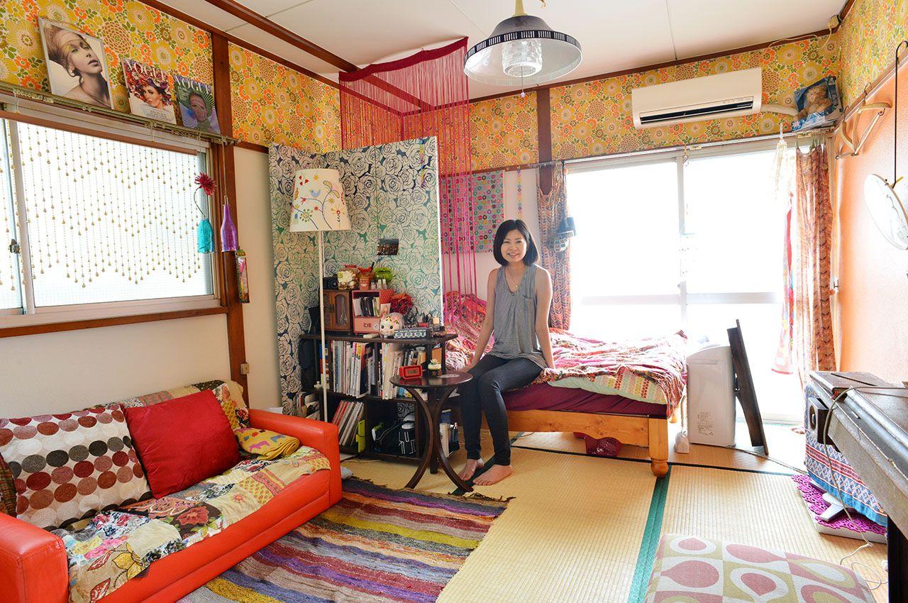 オシャレに暮らすひとたちのインテリア事例 賃貸 1k 築50年 ひとり暮らし 20代女性 昭和レトロ メイクアシスタント 部屋レイアウト 模様替え こだわり 部屋 File 和室 インテリア 一人暮らし インテリア 家具 部屋 レイアウト