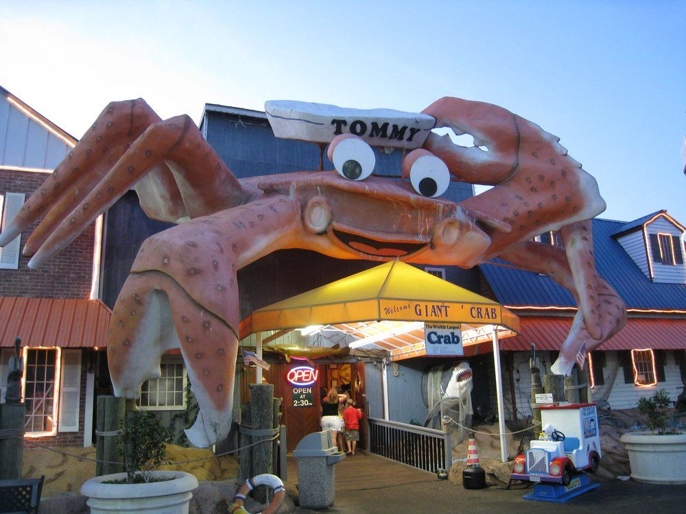 Tommy The Giant Crab Atop Seafood Restaurant North Myrtle Beach South