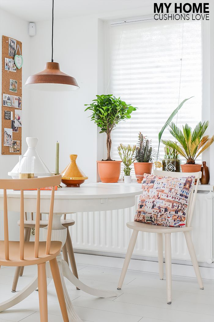 Kleur en interieurinspiratie : Styling met kussens in huis #mykonos ...