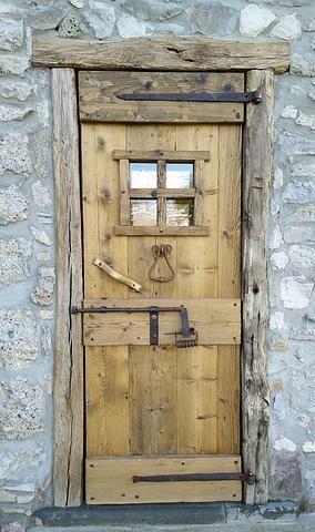 Porte in legno vecchio porte artigianali in legno antico - Porte esterne rustiche ...