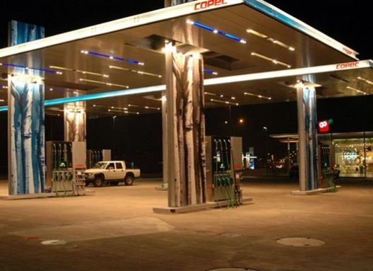 Nueva Imagen Copec 2005  Producto: Fachadas Ventiladas   Revestimiento Tile  Programa: Edificio