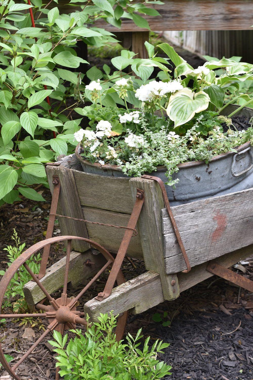 Vintage Galvanized Garden Tub Planters Rustic Gardens Garden Containers Farmhouse Garden
