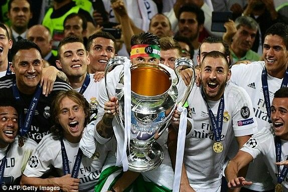Real Madrid Captain Ramos Lifts The Champions League Trophy Championleague Winners Ucl Real Madrid Football Club Real Madrid Captain Real Madrid Football