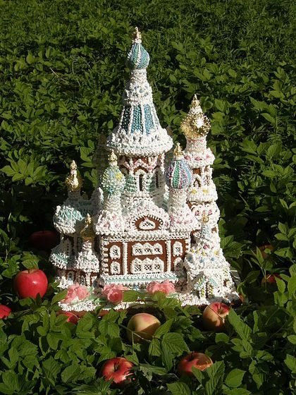 """Gingerbread copy of the Temple """"on the blood of Christ"""" in St. Petersburg."""