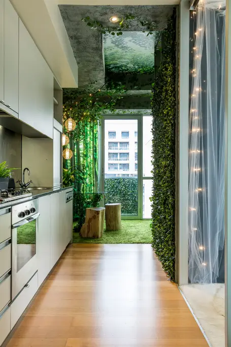 Forest And Heaven Themed Apartment Close To The Heart Of The Cbd