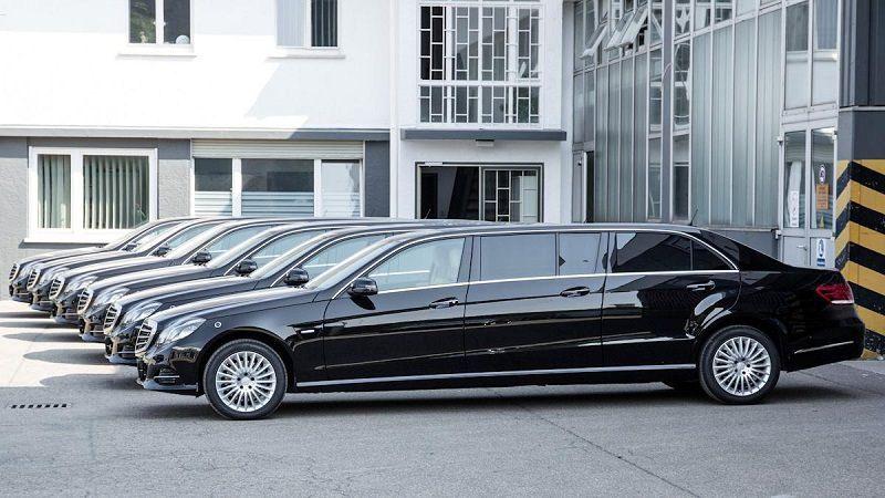 أصدرت شركة Binz وليس مرسيدس بنز الألمانية نسخة معدلة طويلة سداسية الأبواب من طراز مرسيدس اي كلاس و Mercedes Benz Mercedes Benz S550 Mercedes Benz Maybach