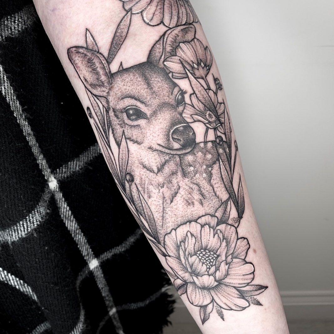 Kuvan kuvausta ei ole saatavilla floral deer tattoo