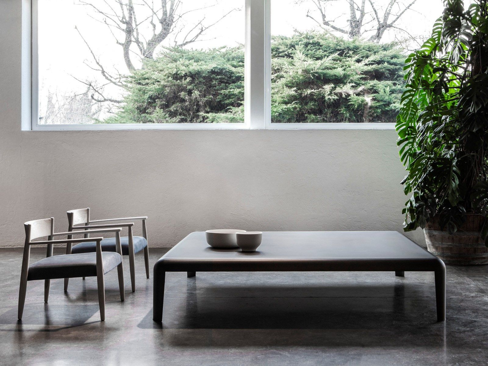 Tavolino laccato quadrato in lamiera ferro by porro design piero