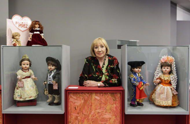 La coleccionista Dolores Torre, expone desde en Vitoria parte de su coleccion de Mariquita Perez