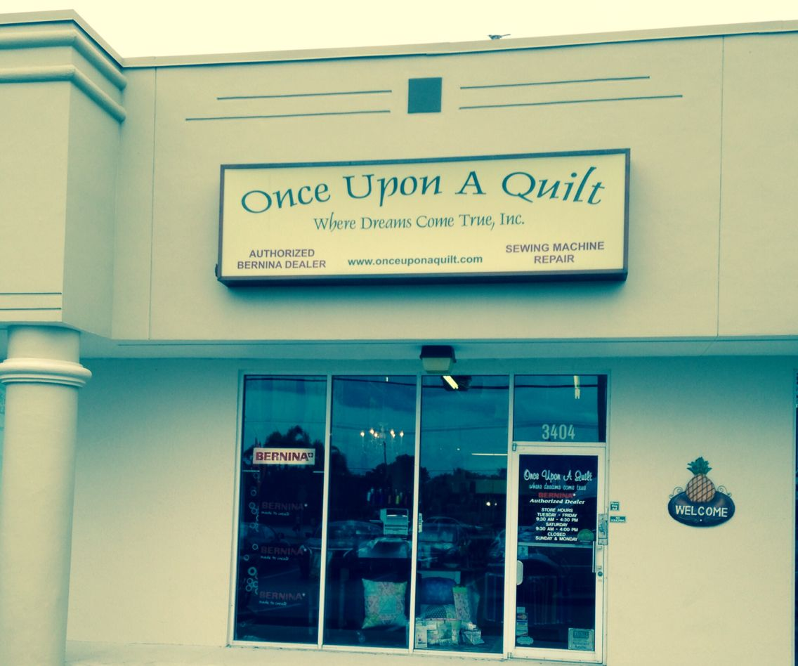 Once Upon A Quilt Ft Lauderdale Fl Jan 2015 Friendly Shop With Lots Of Kits Quilt Stores Quilt Shop Quilts