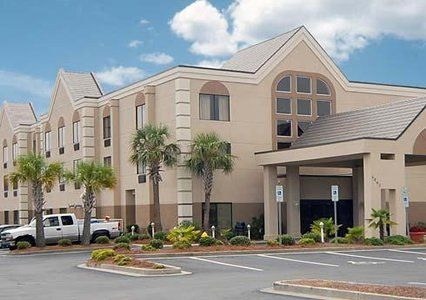 Book A Room At The Comfort Suites Hotel In Southport Nc This Is Located Near Oak Island