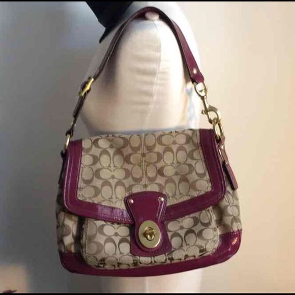 """Gorgeous & Authentic Coach Signature large Bag Authentic Large Coach purse, with serial number. Beige and brown signature C fabric, patent  plum leather strap and bottom, brown and clean inside, gold metals.  11"""" X 14"""" X 5"""" Large.  No trades. No more discounts for this bag.   Click the listings to see the boutique, Reduced prices in everything. $$$  Many lovely things, multiple item discounts $$$ Fabulous selection, better prices!! $10 and Up  Thanks for your visit ;-) Coach Bags Shoulder…"""