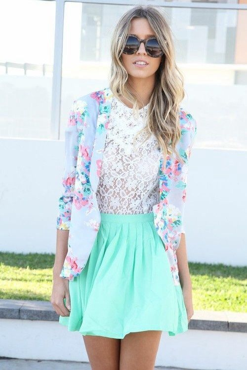 Nice spring outfit with some pastel colors