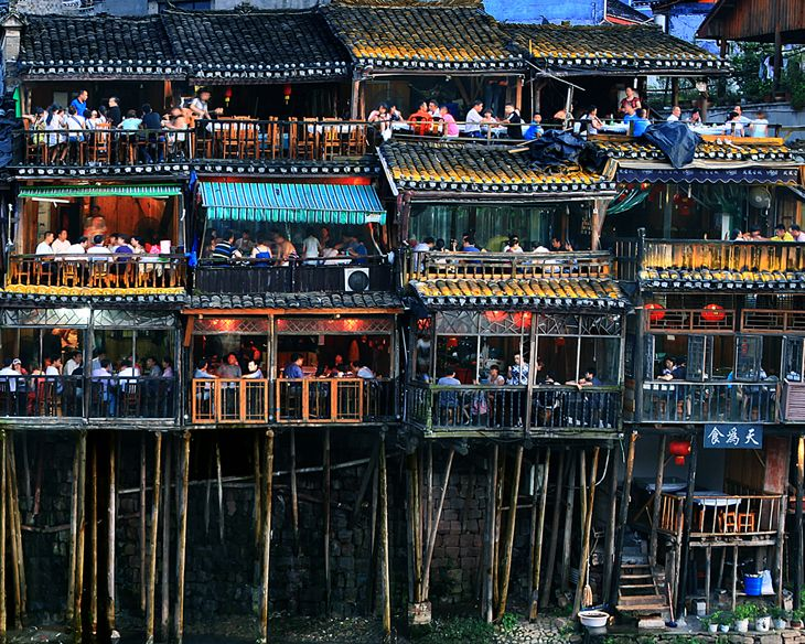 Stilt House Diaojiao House Along The River The Stilt House Diaojiao House A Kind Of Folk Residence Built On The Stilts Of Di China House On Stilts Gansu