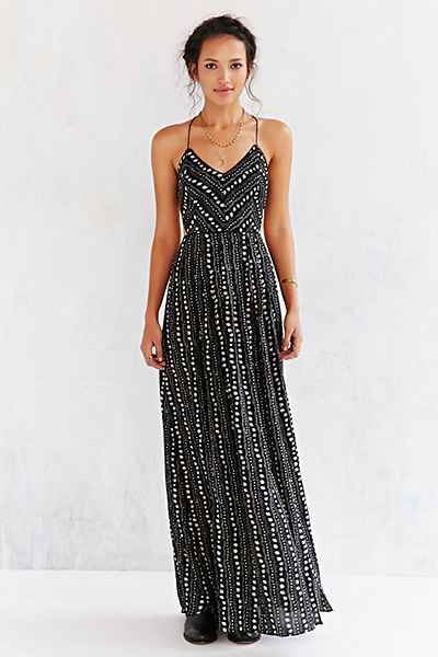 8f3c44c07f691 This is a good multiple occasion dress. It is flowy, but fitted at the  waist so it won't make you look big. It will show off that hard work you've  been ...