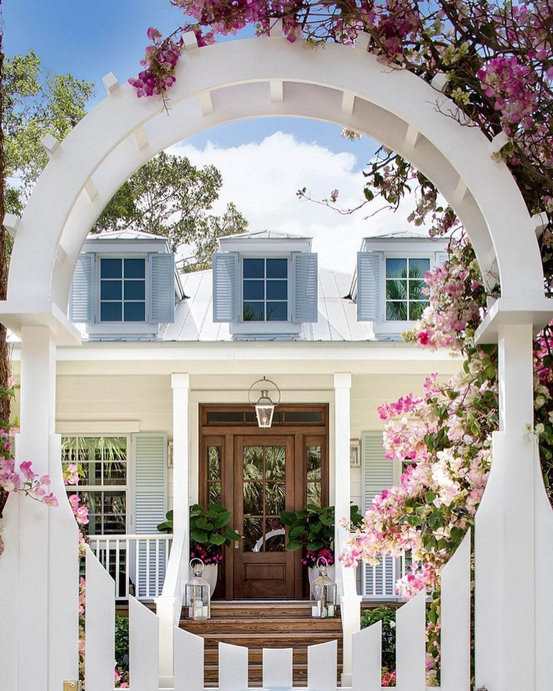White Homes A Few White Exterior Paint Colors Hello Lovely In 2020 Florida Beach Cottage Florida Cottage Beach Cottage Style
