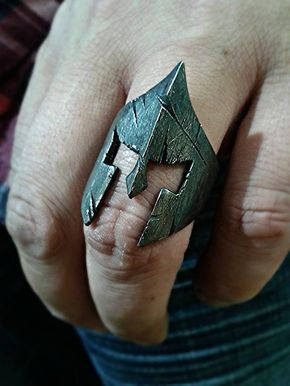 "EDICIÓN NEGRA anillo espartano rey Leonidas ""casco de lucha"" por GeoartSilversmit …"