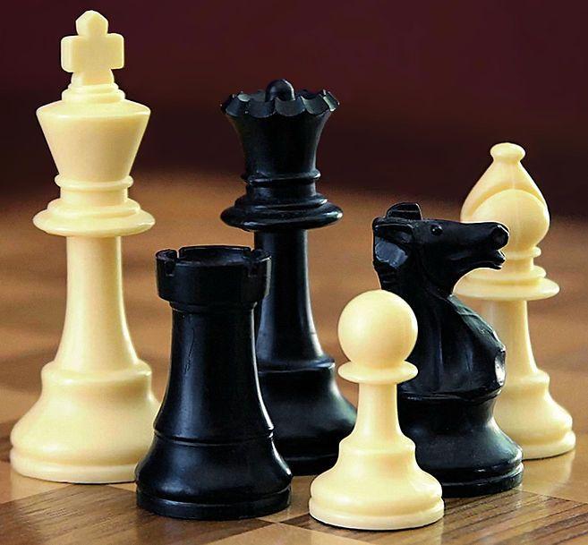 Peças de xadrez. Sem comentários. xD