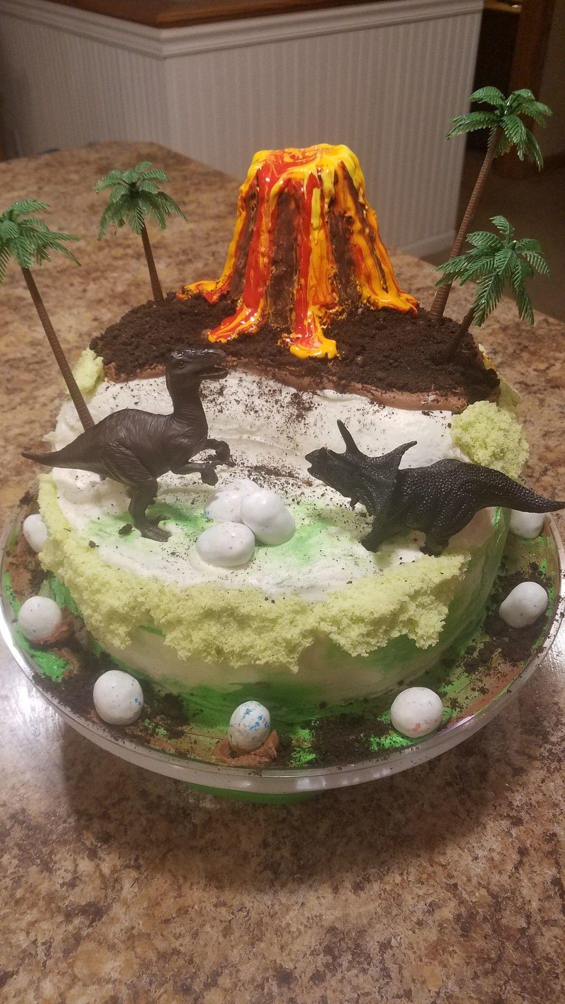 Dinosaur cake in 2020 dinosaur cake cake desserts