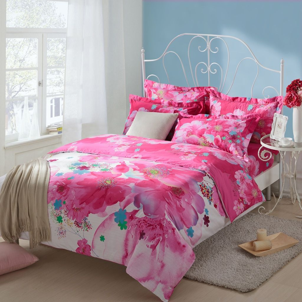 Red Girls Hawaiian Flower Print Full, Queen Size Bedding Sets