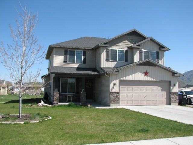 amazing slab built homes #5: This is a classic Slab on Grade 2 story home built in Nibley, Cache Valley