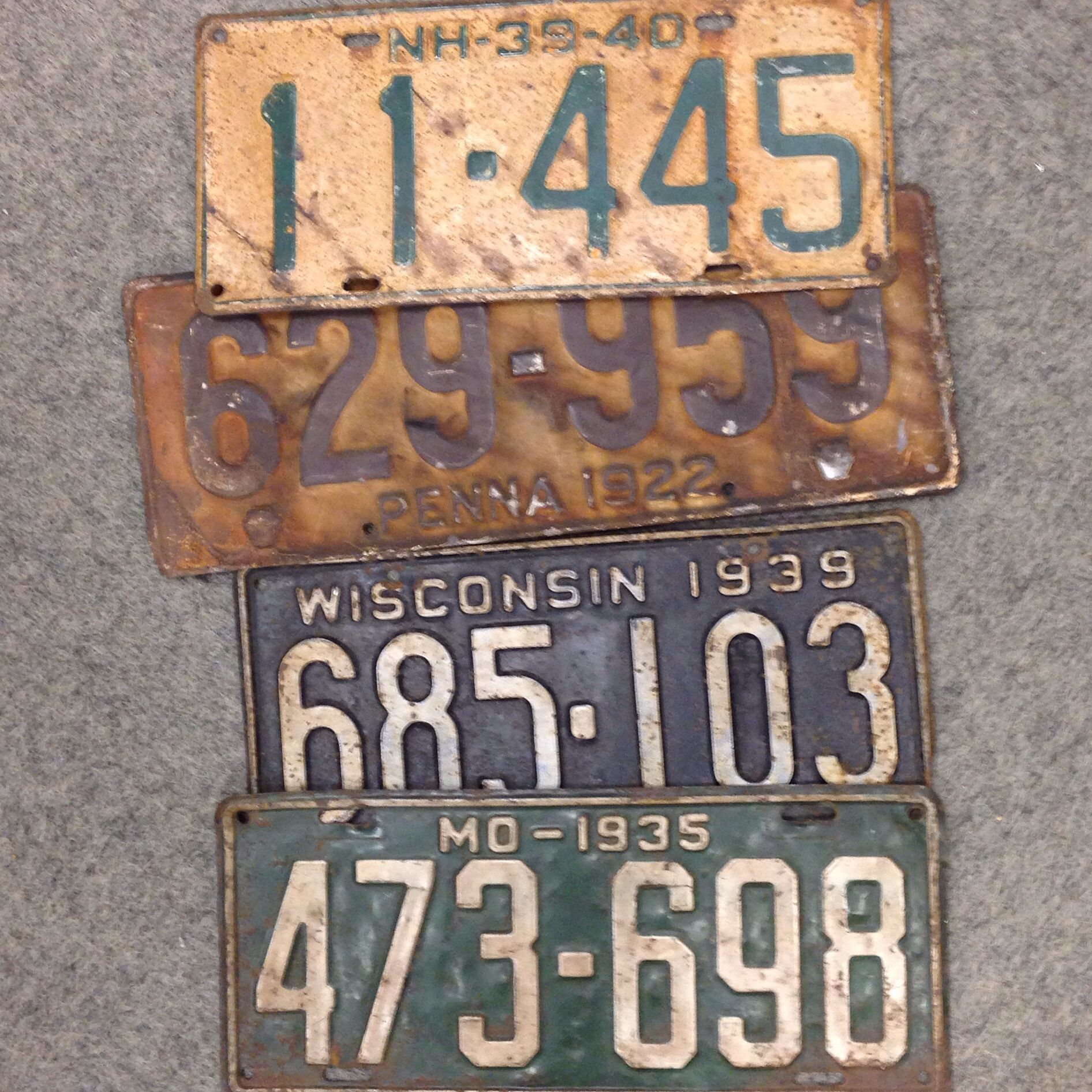 Found these Vintage LICENSE PLATES at a Flea Market .... Love this Rusty & Found these Vintage LICENSE PLATES at a Flea Market .... Love this ...