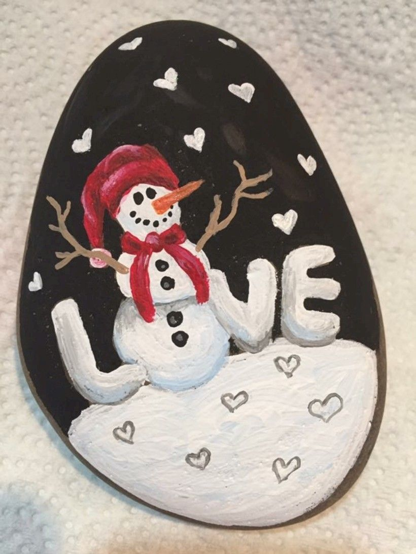 39 Beautiful Christmas Rock Painting Ideas Godiygo Com Rock Painting Designs Christmas Paintings Christmas Rock