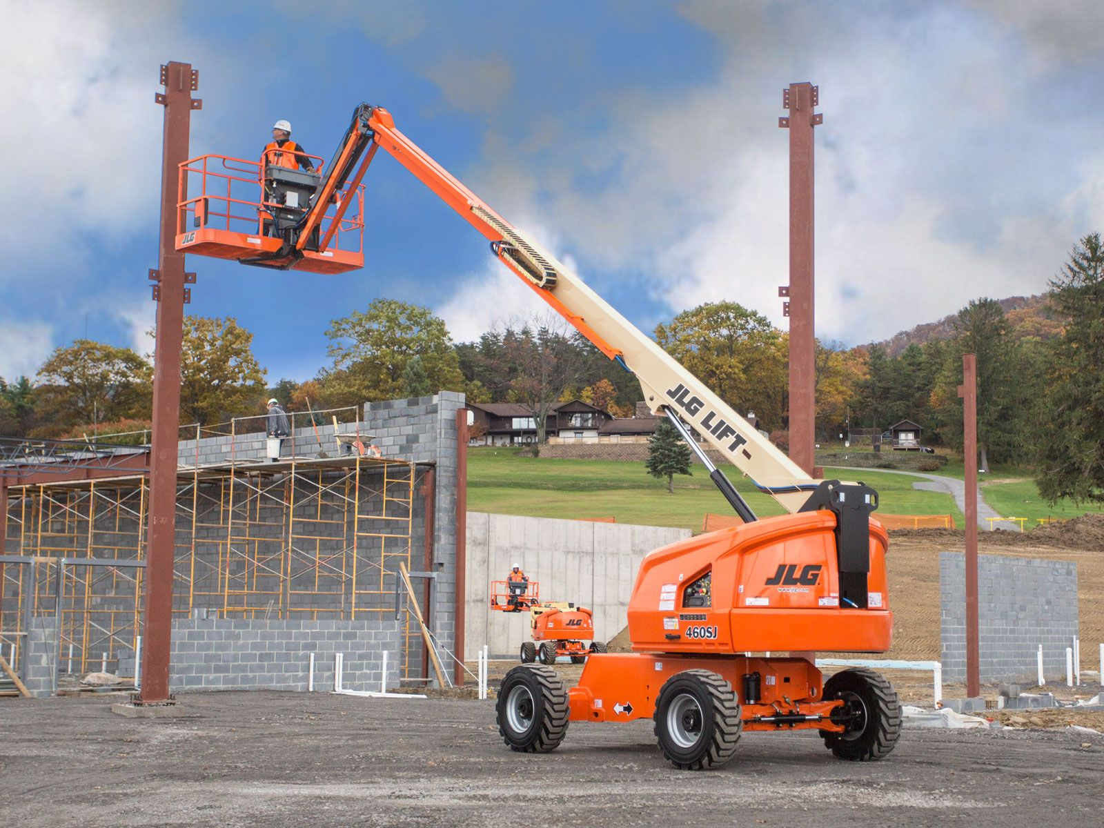 Jlg Debuts New Telehandler Line Midsize Boom Lifts And