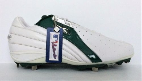 3d16689cede1 Reebok-Men-039-s-Baseball-Shoes-Size-12-5-Metal-Spikes-Cleats-White-Green