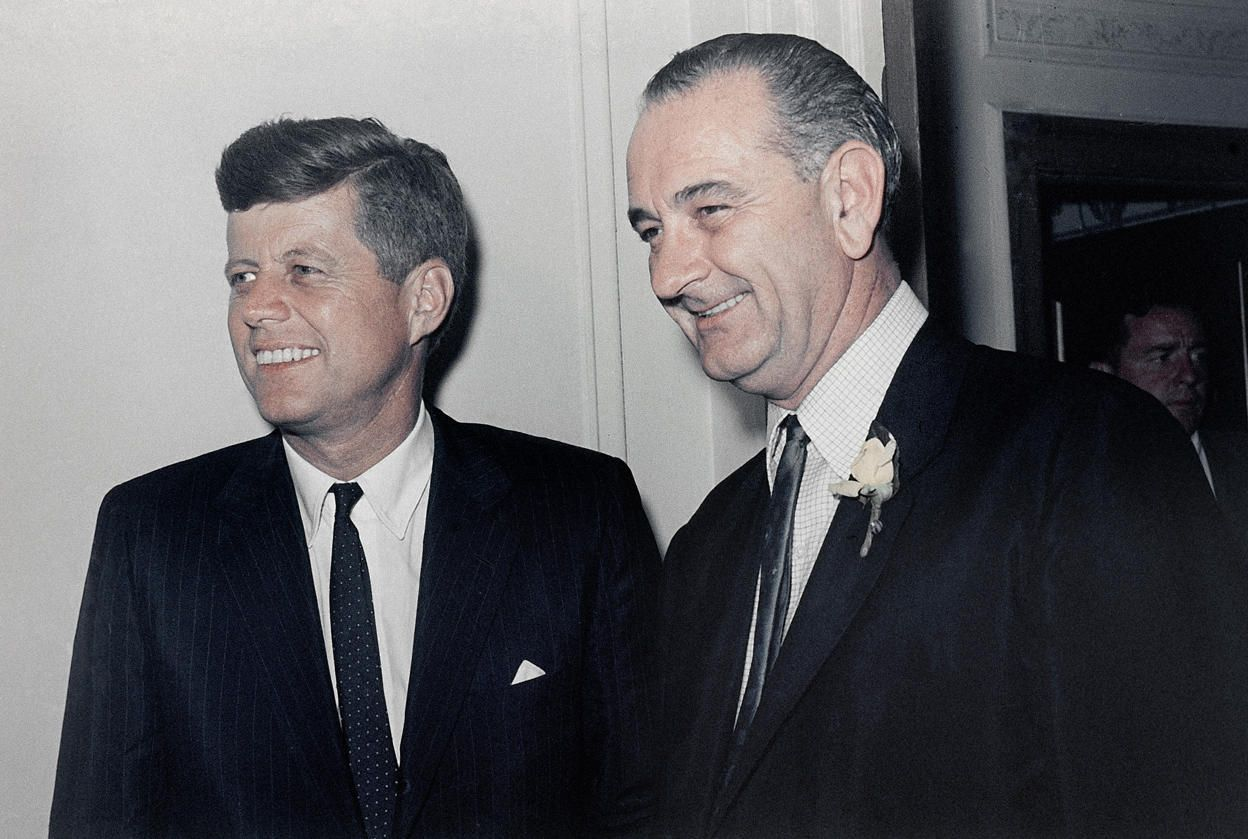 Kennedy v. Nixon - The road to the1960 Presidential election
