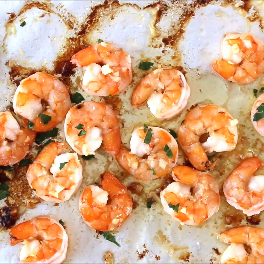 10 Minute Garlic Butter Baked Shrimp #recipesforshrimp