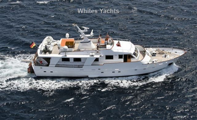 Steel Gentleman S Displacement Yacht Of 25m With Classic Little Ship Lines Seaworthy And Suitable For Transatlantic Range With Her Luxury Yachts Yacht Boat