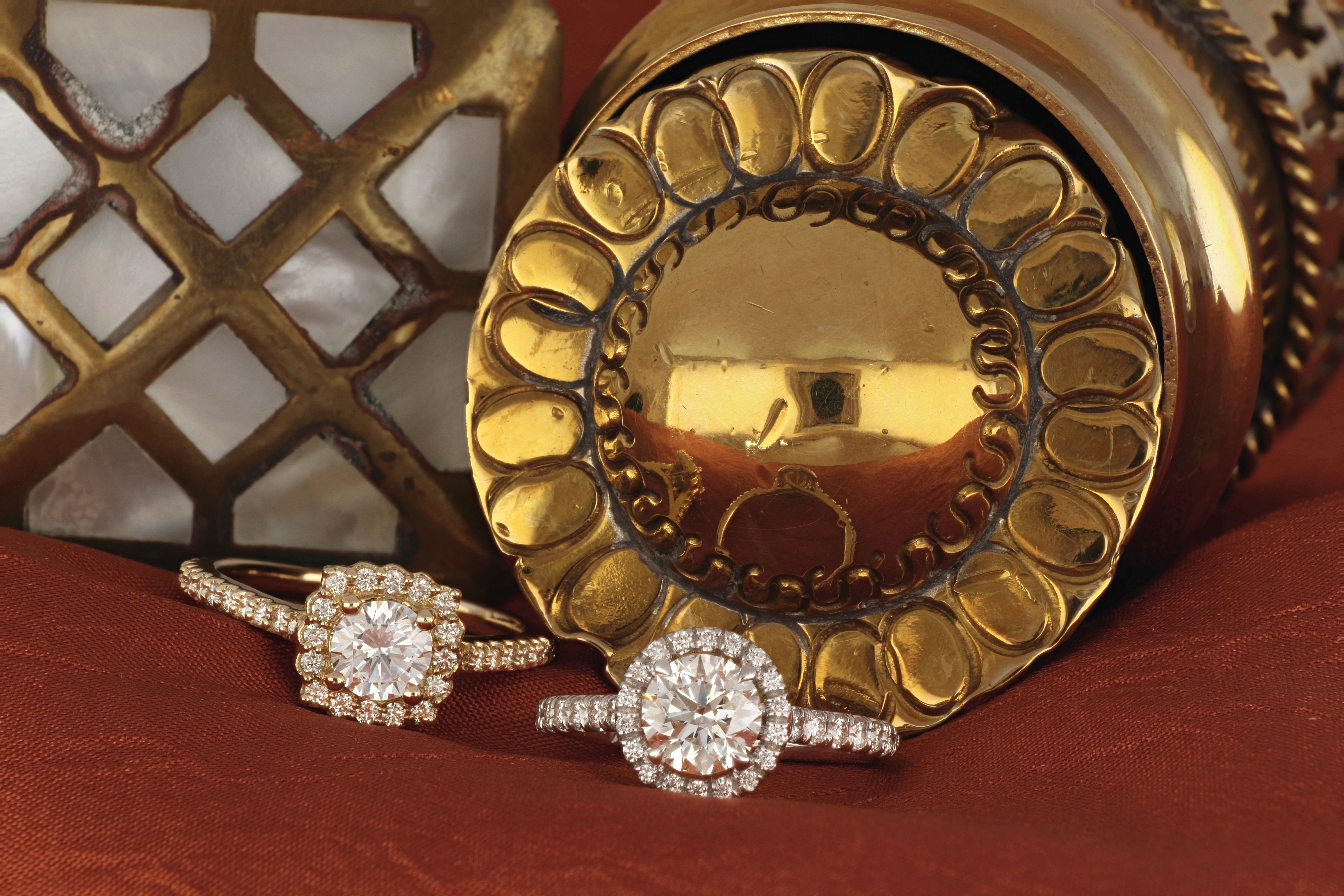 You Can Never Go Wrong With Shimmering Diamonds Rings Gold Diamond Monarch Jewelry Jewelry Stores Amazing Jewelry