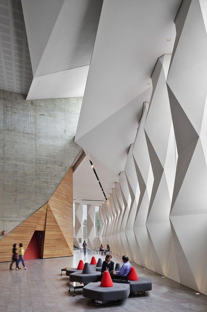 Arquitectura es cuestión de armonías, una pura creación del espíritu.´´ Le Corbusier ´´ Roberto Cantoral Cultural Center by Broissin Architects