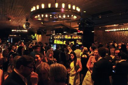 Charitybuzz Enjoy A Vip Table For 6 At 1oak Or Up Down In New York City Oak Nyc New York Travel Nyc