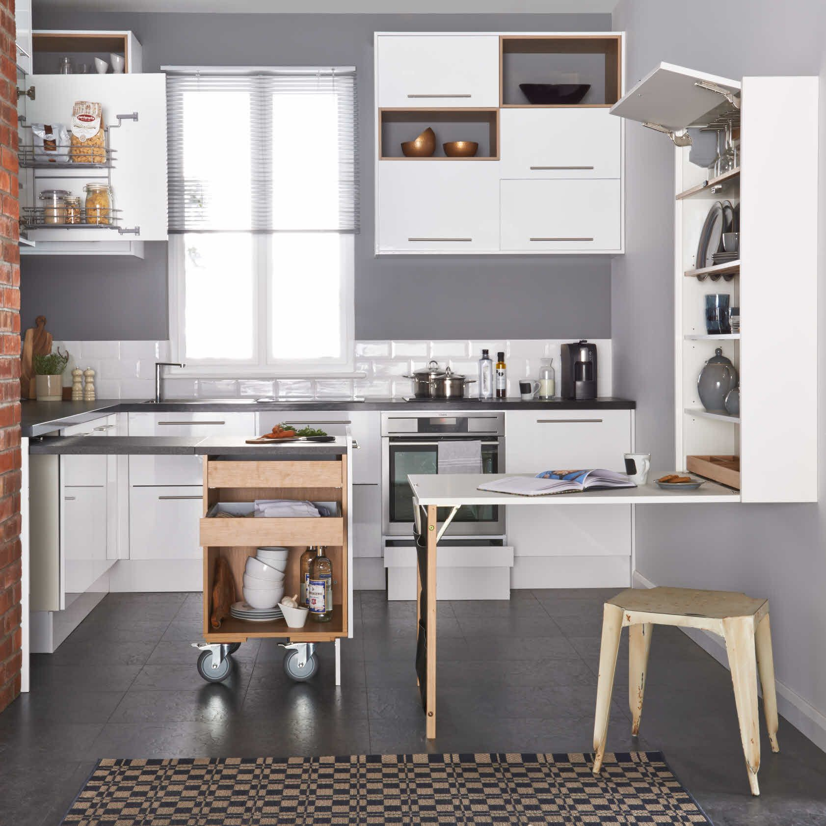 Apollo White Size 0 pull out with worktop